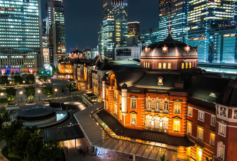 在KITTE 6樓的屋上庭園還可一望東京車站全景