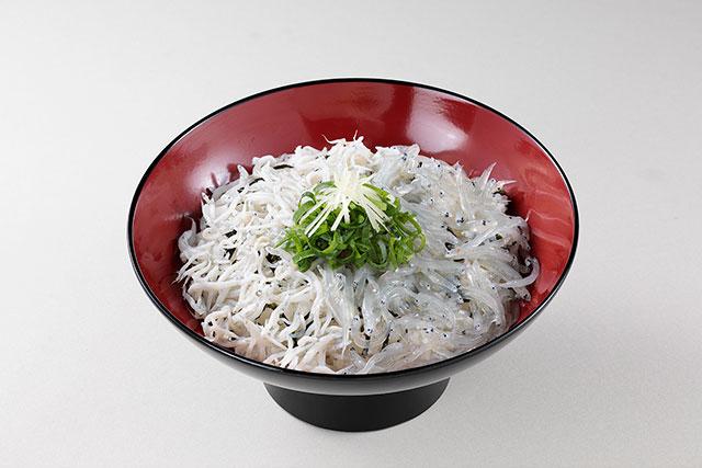 しらす2色丼 980円(税込)