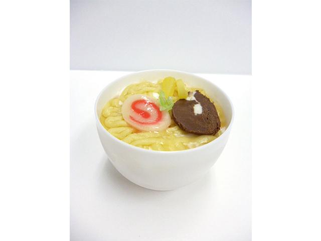 らーめんケーキ 390円(税込)