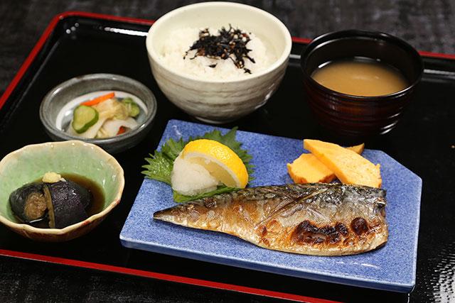 「金華鯖塩焼定食」 950円(税込)