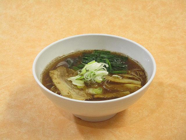 黒焦醤油ラーメン 730円(税込)