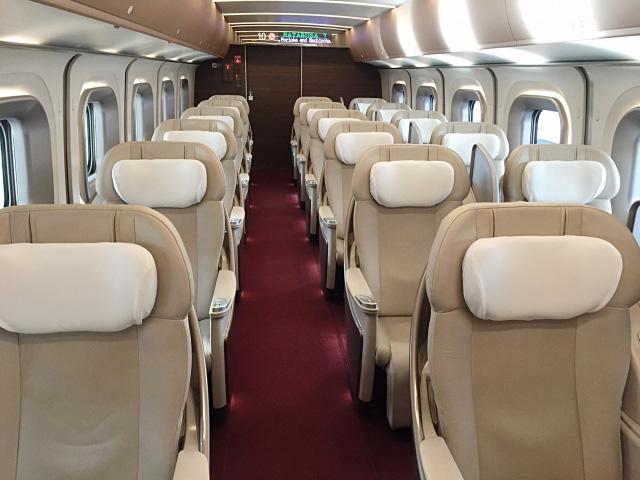 頭等車廂(Gran Class)內部
