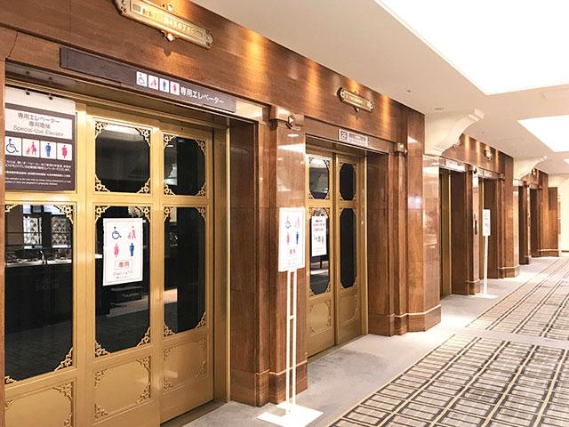 高島屋S.C本館內的機械式電梯