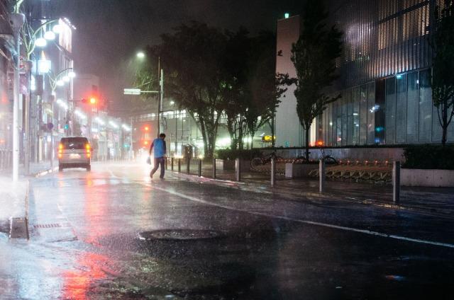 【台風接近中】台風の影響による公共交通のダイヤ乱れを事前にチェック