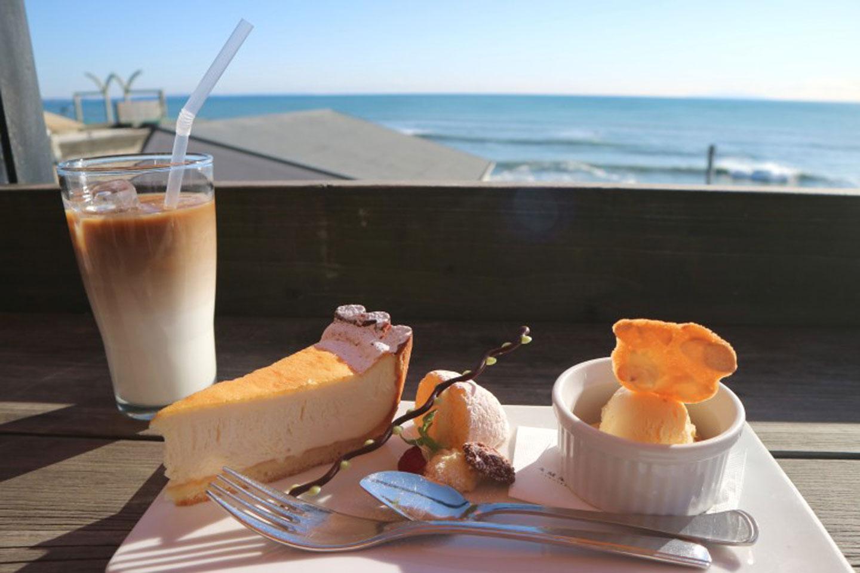 【湘南】江ノ島・鎌倉周辺の海が見える絶景カフェ18選│癒されドライブに最適♪