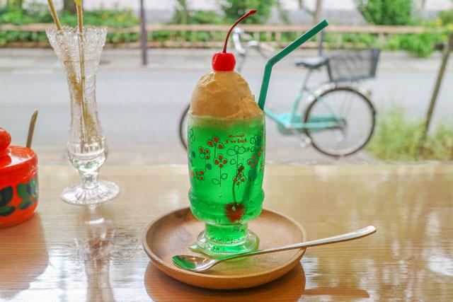 やまもと喫茶 「クリームソーダ」700円(税込)
