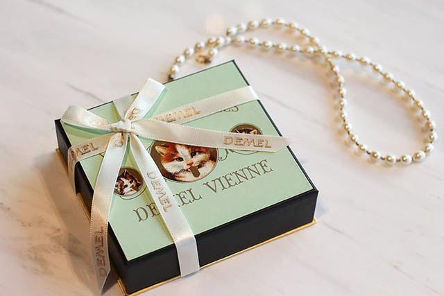 DEMEL(デメル)「ソリッドチョコレート猫ラベル(ミルク)」1944円(税込)