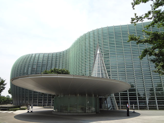 国立新美術館 外観