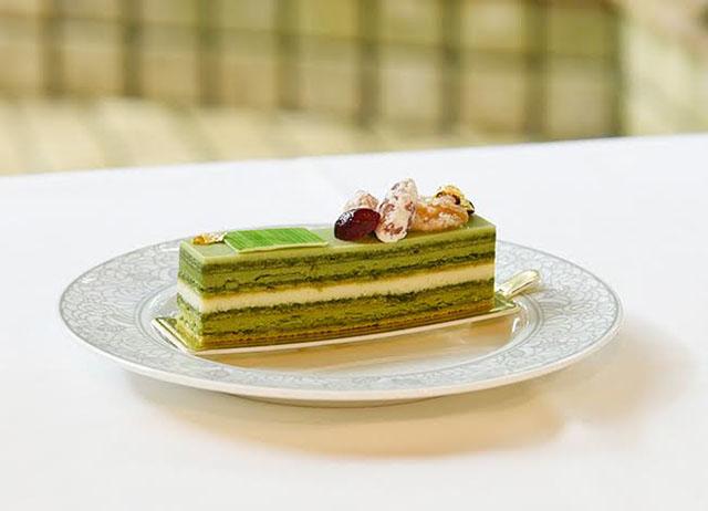 佐賀県うれしの釜炒り抹茶のオペラ  750円(税抜) ※不定期でケーキの内容変更あり