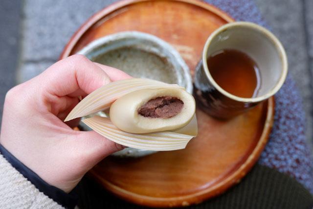 麩嘉 冬季限定「酒粕蒸し麩饅頭」237円