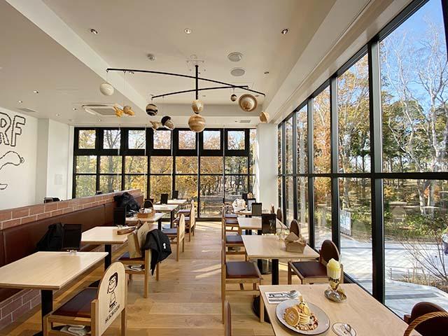 「PEANUTS Cafe(ピーナッツ カフェ)」店内の様子