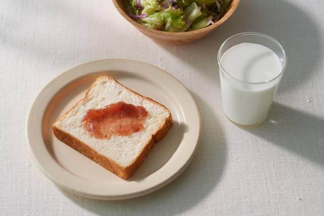 そのままで美味しいふわふわみるく生食パン
