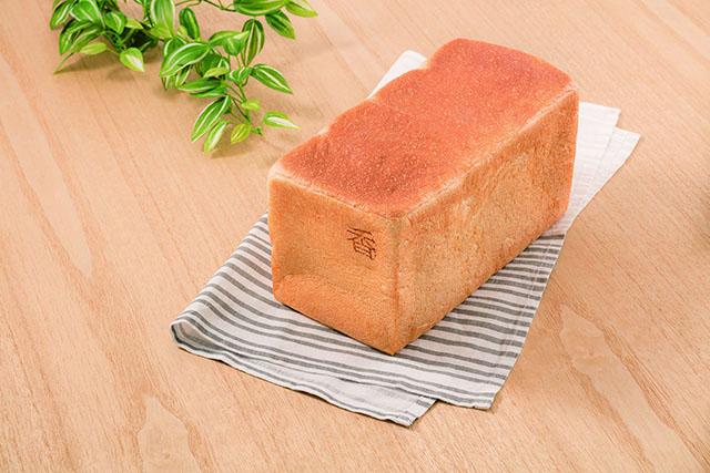 俺の生食パン~香~ 2斤 1,000円(税込)