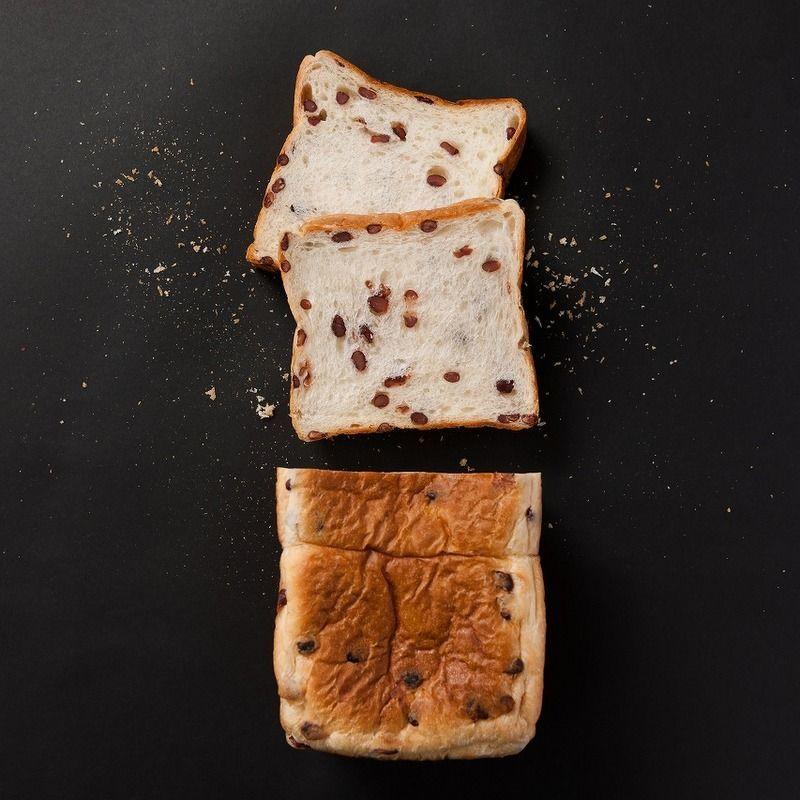 AZUKI食パン 1.5斤 1250円(税込)