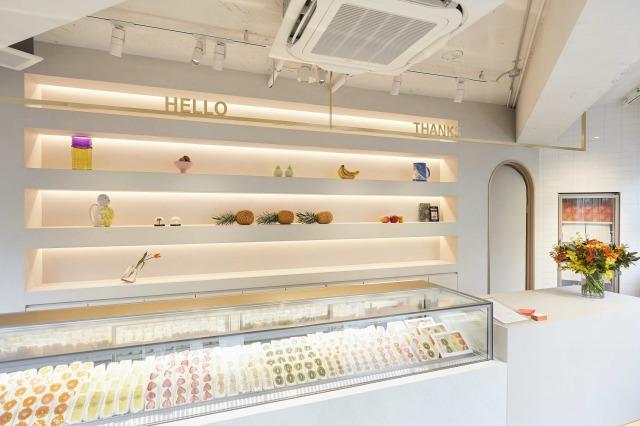 通年メニューはみかん ¥680 / パイン ¥580 / キウイ ¥650 / マンゴー ¥1,350 / バナナ ¥420  (全て税抜き価格。)