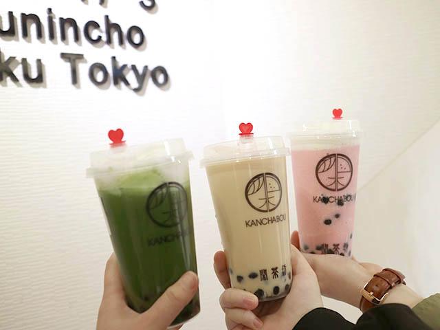 左・ミルクフォーム抹茶R+タピオカ 510円(税込)