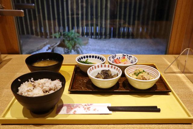 京菜味 のむら 「朝食おばんざいセット」4種650円/6種850(税込)