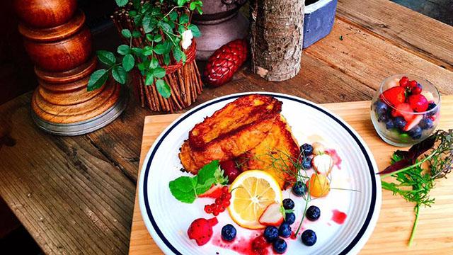 「豆乳とかぼちゃたっぷりふわとろフレンチトースト(ミニマチェドニア、ドリンク付き)」 1,200円(税込)※10食限定