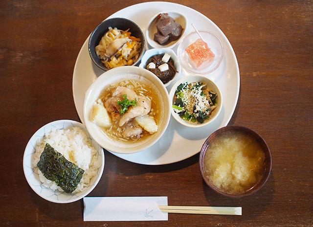 カナカナごはん 1350円(税別)