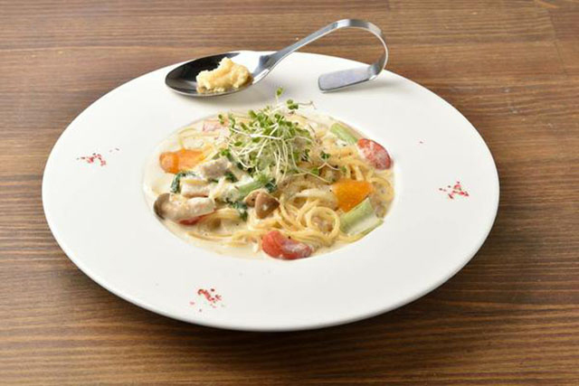 パスタランチ(スープ・サラダ・パン付) 1300円(税込)