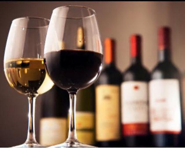 上質なワインとともにランチが楽しめます