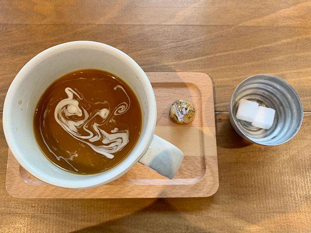 平日限定でいただけるコーヒーも丁寧に淹れられていて美味しい!