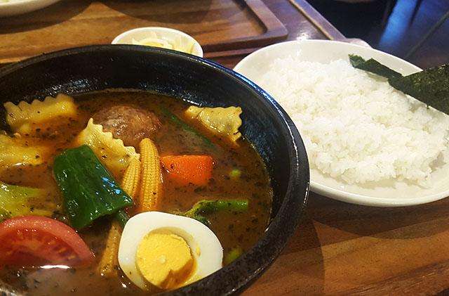 ラビオリとニョッキのスープカレー 1,150円(税抜)