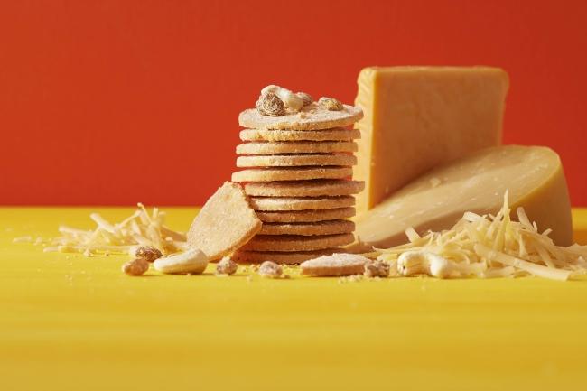 チーズクッキー ゴーダ&チェダー 12枚入り864円(税込)