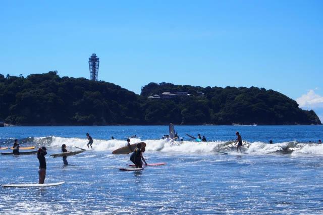 江ノ島と言えば!たくさんのサーファーたち