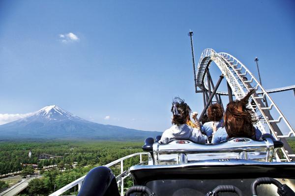 ジェットコースターからは富士山も望める絶景が!