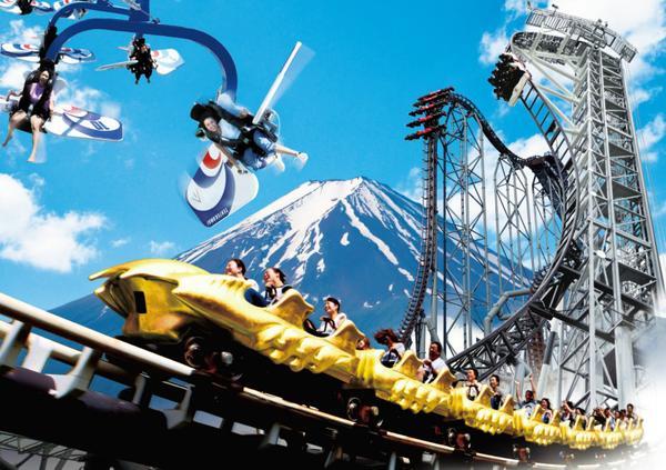 絶叫好きは「富士急ハイランド」へ!
