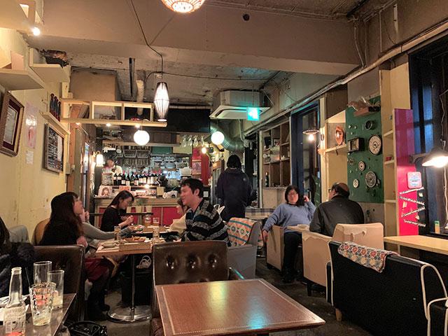 ブリキボタン CAFE&DINING 店内