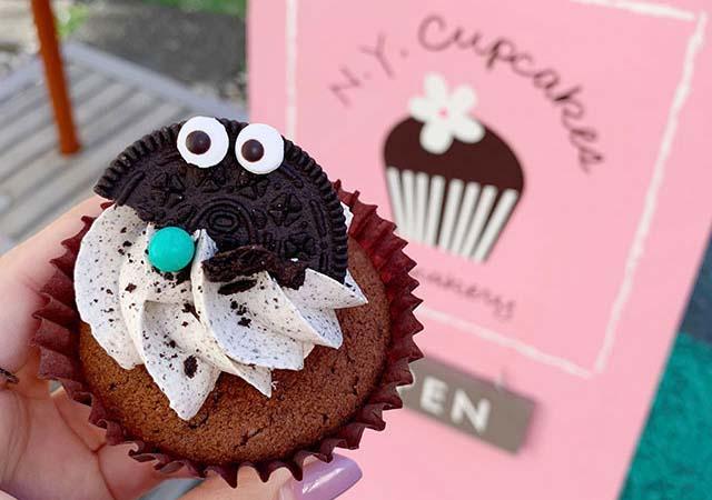 「NY Cupcakes(ニューヨークカップケーキ)」の『クッキークリームケーキ』