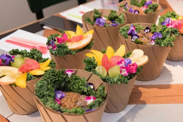 見た目も美しい「アロハパッションサラダ」「オハナサラダ+topping」