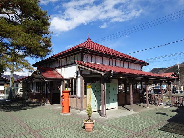 右手に出ると「長瀞町観光案内所」があり、レンタルサイクルも可能。