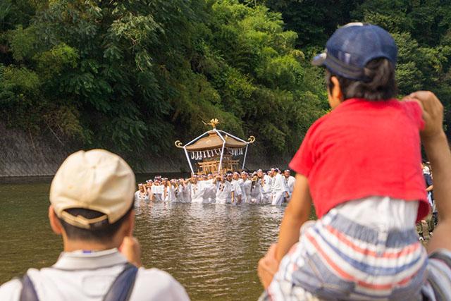 毎年7月19日、20日に行われる「秩父川瀬祭」