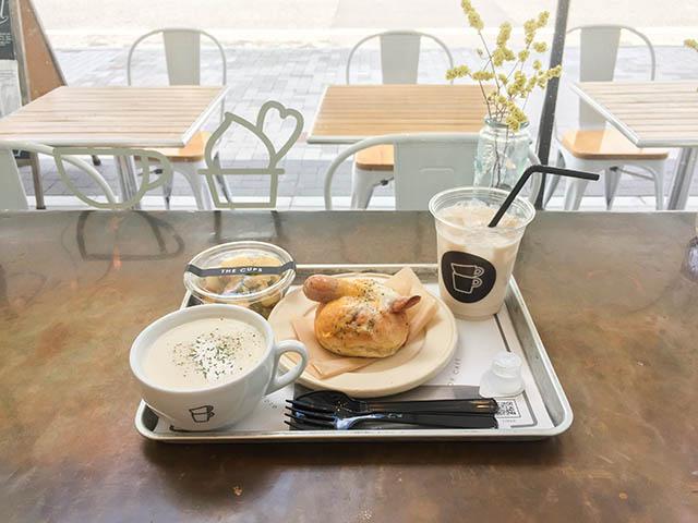 サンドイッチランチ(バケットサンド+ミニサラダ+本日のスープ+ドリンク) 1100円(税別)
