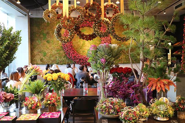 「Nicolai Bergmann Flowers & Design Flagship Store(ニコライ バーグマン フラワーズ アンド デザイン フラッグシップストア)」 カフェ