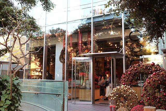 「Nicolai Bergmann Flowers & Design Flagship Store(ニコライ バーグマン フラワーズ アンド デザイン フラッグシップストア)」 外観