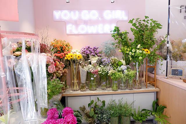 FLOWERS BAKE&ICE CREAM(フラワーズベイクアンドアイスクリーム) 店内