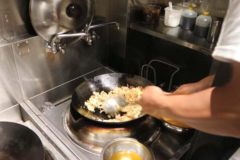 民生炒飯 厨房