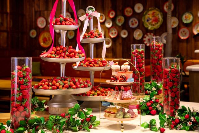 カフェランブータン 「苺のアフタヌーンティー+ストロベリーつかみ取りプラン」