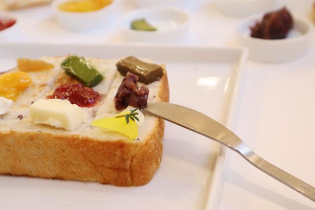 ぱんなり。 パンのお供は、オリジナルの抹茶バターやほうじ茶バター、たくあんなど!