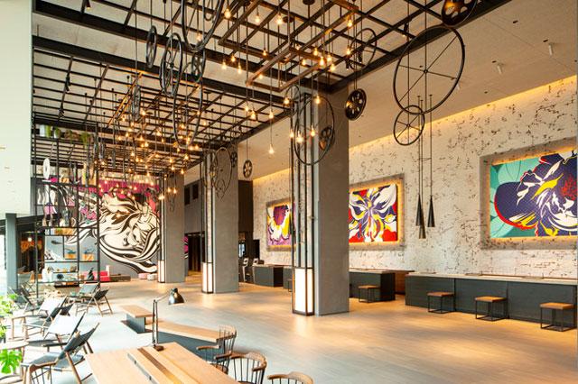 東京ベイ潮見プリンスホテル デザインコンセプト「水辺の宿場町」を象徴するロビー