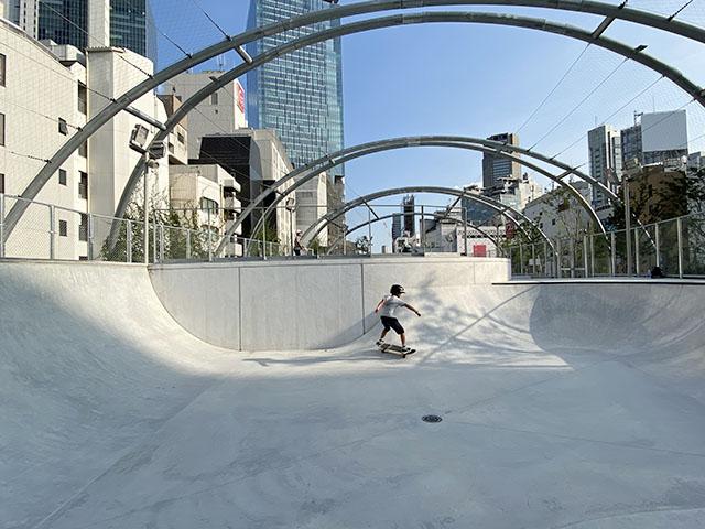 「渋谷区立宮下公園」のスケートボード場