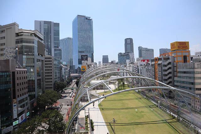 「渋谷区立宮下公園」