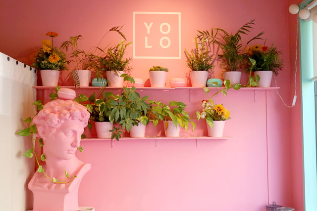 YOLO TOKYO Cafe&Desserts 店内
