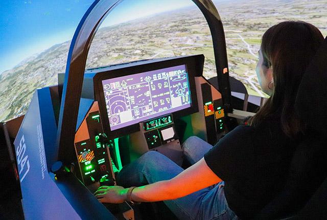 戦闘機のフライトシミュレーター
