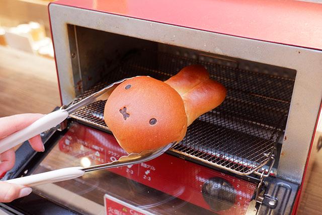 みっふぃー桜ベーカリー イートインスペースにはトースターも完備