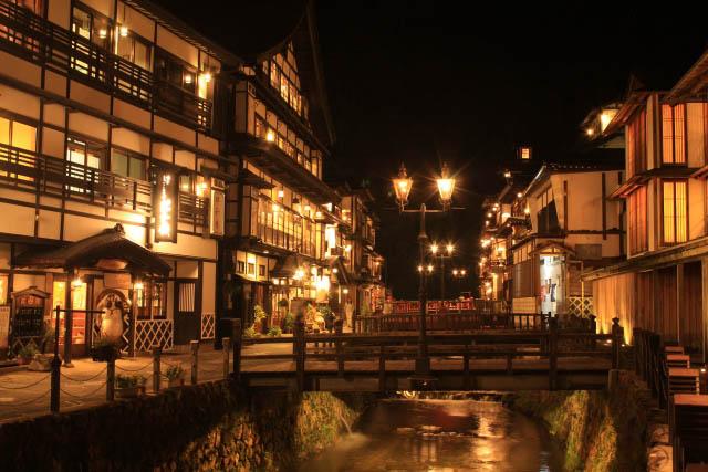 銀山温泉 夜の風景